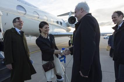 Minister Duin begruesst Kronprinzessin Victoria und S.K.H. Prinz Daniel