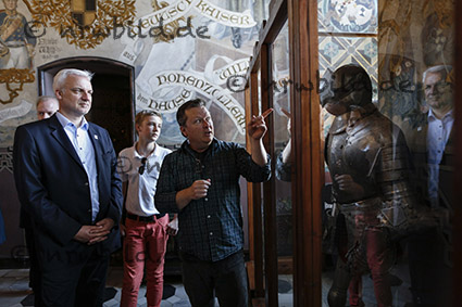 Slingen, 29.06.2015: Sommerreise mit Wirtschaftsminister Garrelt Duin durch das touristische NRW. Schloss Burg