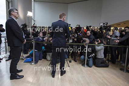Pressesprecher Harmeier, Minister Jäger